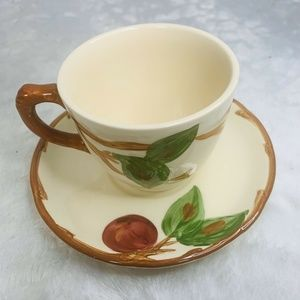 Set of 4 Franciscan Cup Saucer Apple Pattern Hand